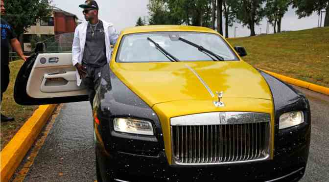 Antonio Brown reveals his Rolls Royce's new paint job