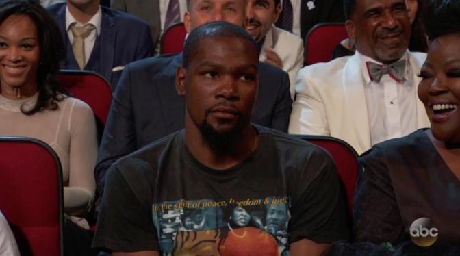 WATCH! Peyton Manning Roasts Kevin Durant At ESPYs