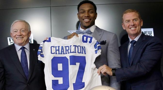First Pick Taco Charlton Unimpressive In Cowboys Win
